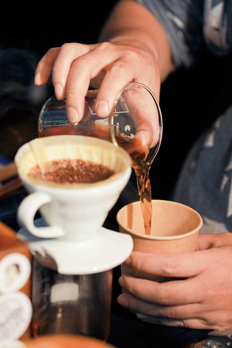 「武喵咖啡」不斷更換豆子,讓人每次來都能品嘗不同咖啡香。(一五○~二○○元/杯)(圖/林士傑攝)