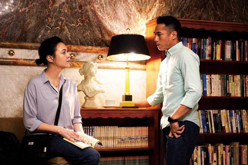 劇中張榕容和莊凱勛的命運彷彿糾纏在一起,也發展出感情線。(圖/CATCHPLAY提供)