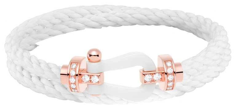 FRED「Force 10」系列手環,玫瑰金鑽石及陶瓷鍊釦(雙環款)╱126,600元。(圖╱FRED提供)