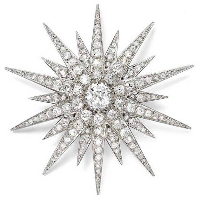 Cartier「骨董珍藏」系列鉑金鑽石胸針,卡地亞紐約,1928年。(圖╱Cartier提供)