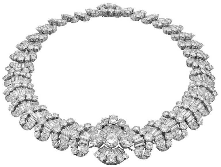 BVLGARI「Heritage典藏」系列鑽石項鍊,鉑金項鍊鑲嵌圓形切割、明亮切割、長棍形切割與梯形切割鑽石(總重約81.9克拉),亦可拆卸轉換為手鍊,創作年份約為1959年。(圖╱BVLGARI提供)