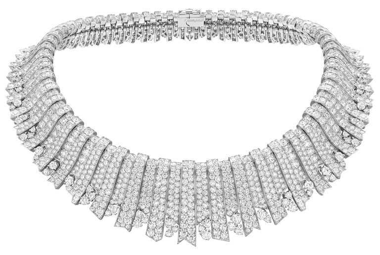 Van Cleef & Arpels「Sous les Étoiles」高級珠寶系列,Rayons Blancs白K金鑽石項鍊。(圖╱Van Cleef & Arpels提供)