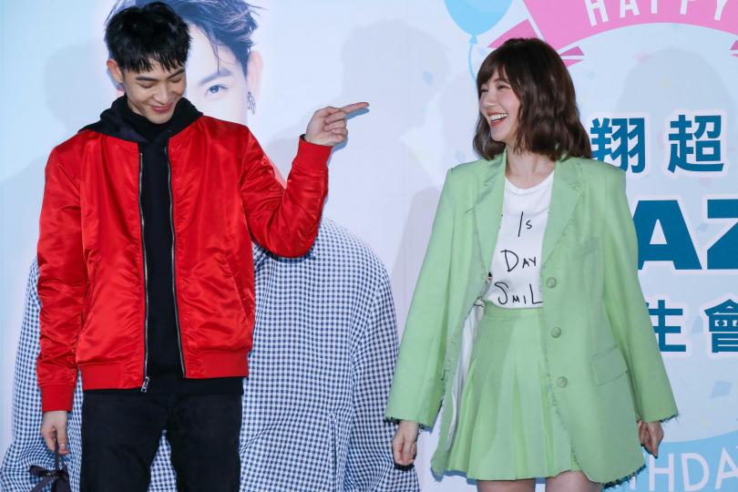 郭雪芙(右)稱讚壽星晨翔是個愛撒嬌的男孩。(攝影/焦正德)