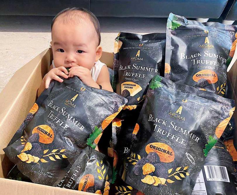 兆群代理的洋芋片,連他的外甥女都愛。(圖/翻攝自臉書)