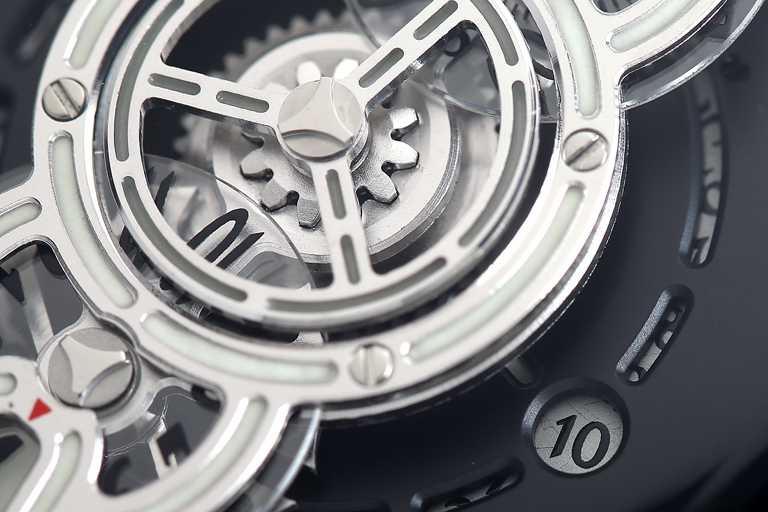 BEHRENS ORIGINAL「Space Traveller星際航行」系列腕錶,42mm,316L不鏽鋼錶殼╱63,500元。(圖╱BEHRENS ORIGINAL提供)