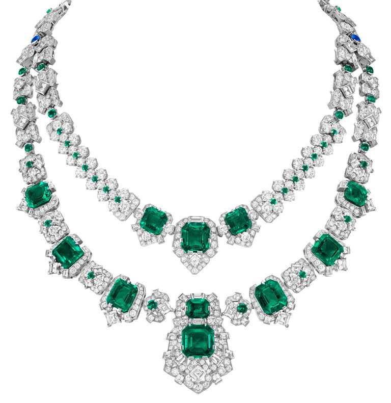Van Cleef & Arpels「Pierres de Caractère個性寶石」系列,Étincelles d'émeraudes可轉換式項鍊,白K金、鉑金鑲嵌,11顆共重39.04克拉的祖母綠式切割祖母綠(哥倫比亞),祖母綠、藍寶石及鑽石╱價格店洽。(圖╱Van Cleef & Arpels提供)