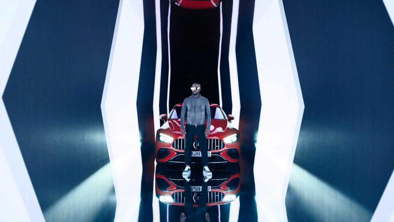 Mercedes-AMG 特別邀請嘻哈巨星、黑眼豆豆成員 will.i.am 擔任品牌大使,本身就是AMG 車迷的他,更親自操刀為 Mercedes-AMG GT 63 S E PERFORMANCE 製作單曲及MV,慶祝 AMG 邁向高性能混合動力的全新里程碑。