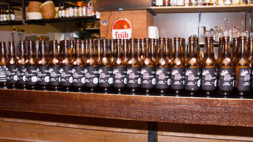 五周年紀念精釀啤酒。(圖/ABV地中海餐酒館提供)