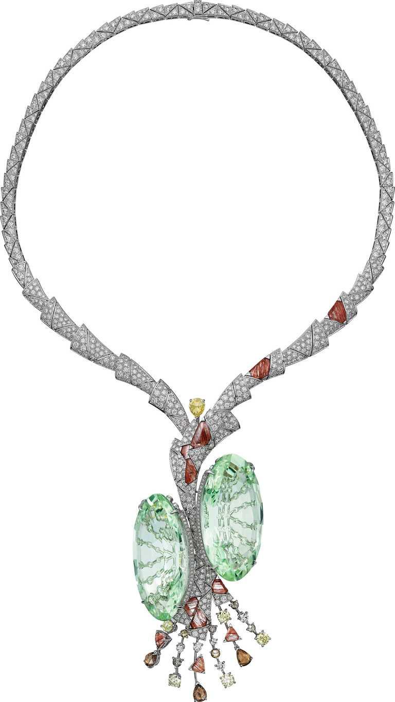 Cartier「[SUR]NATUREL系列」頂級珠寶,TILLANDSIA項鍊(鐵蘭花)╱綠柱石、髮晶、黃鑽、棕鑽、白鑽。(圖╱Cartier提供)