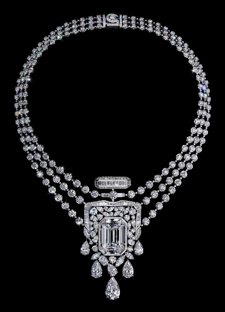 CHANEL「N°5」系列頂級珠寶,55.55白金鑽石項鍊╱價格店洽。(圖╱CHANEL提供)