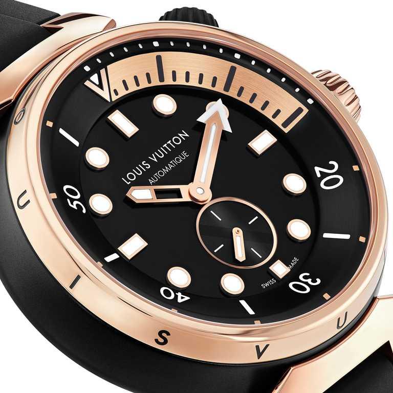 LOUIS VUITTON「Tambour Street Diver」腕錶,Black Blaze黑火焰,44mm,黑色PVD與粉紅金塗層不鏽鋼錶殼,自動上鏈機芯╱500,100元。(圖╱LOUIS VUITTON提供)