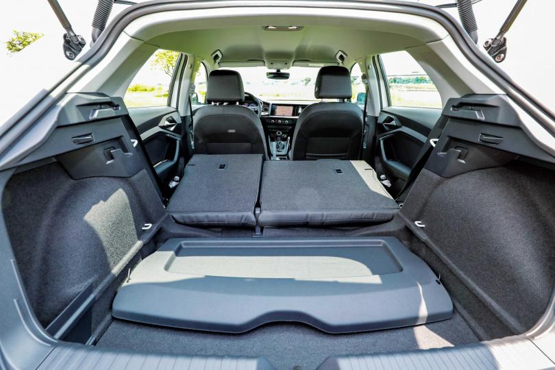 行李廂空間提升為335公升,將後座傾倒更可擴增到1,090公升。(圖/馬景平攝)