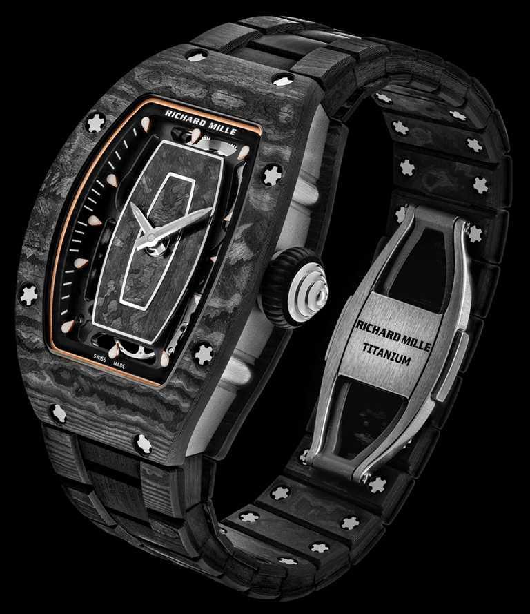 RICHARD MILLE「RM07-01女士腕錶」Carbon TPT碳纖維錶鍊款╱45.6mm,Carbon TPT碳纖維錶殼╱6,860,000元。(圖╱RICHARD MILLE提供)