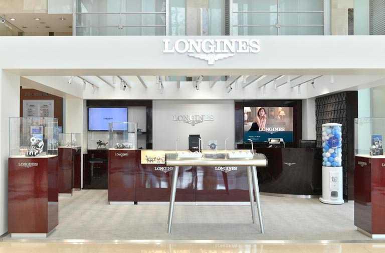 LONGINES浪琴表高雄漢神巨蛋期間限定店,承襲一貫的大器優雅風格。(圖╱LONGINES提供)