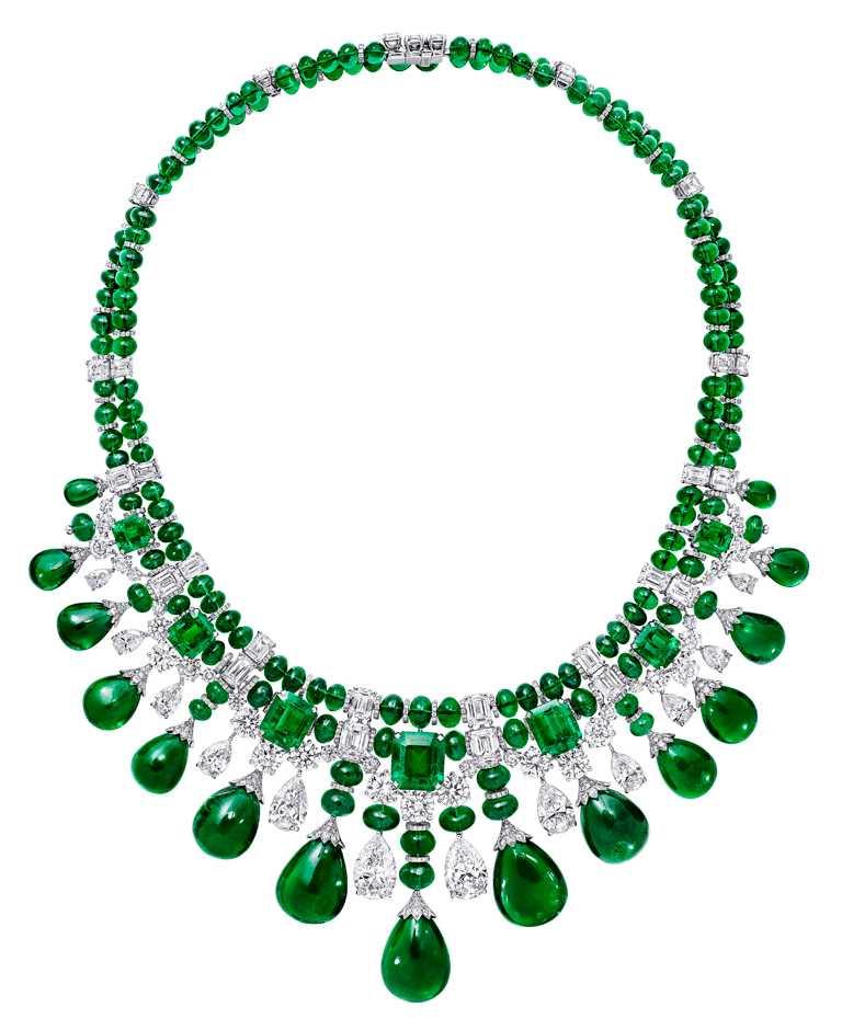 GRAFF「Tribal」系列高級珠寶,白金鑲嵌祖母綠、鑽石項鍊╱價格店洽。(圖╱GRAFF提供)