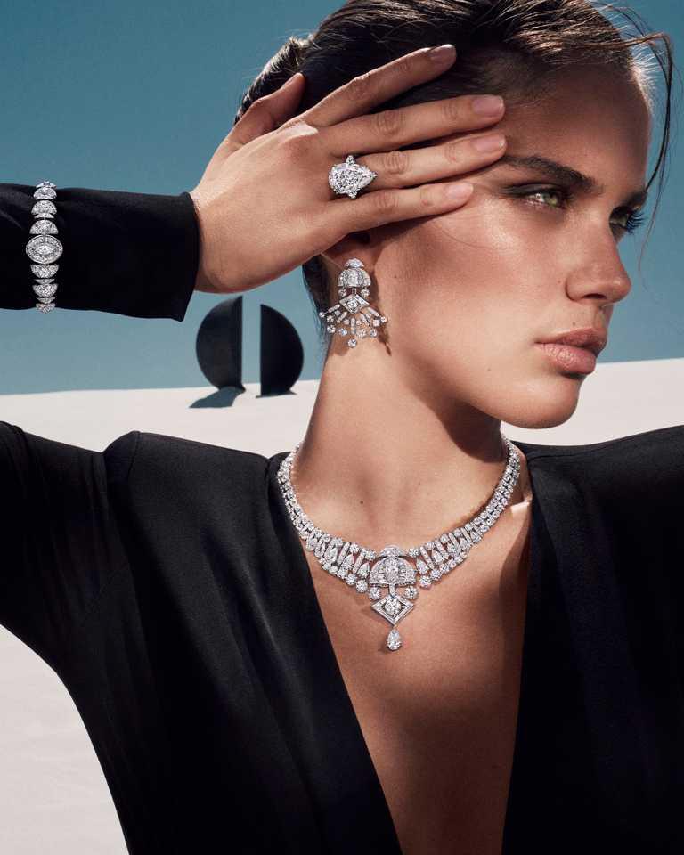 GRAFF「Tribal」系列高級珠寶,Night Moon白金鑽石耳環、戒指、手環及項鍊╱價格店洽。(圖╱GRAFF提供)