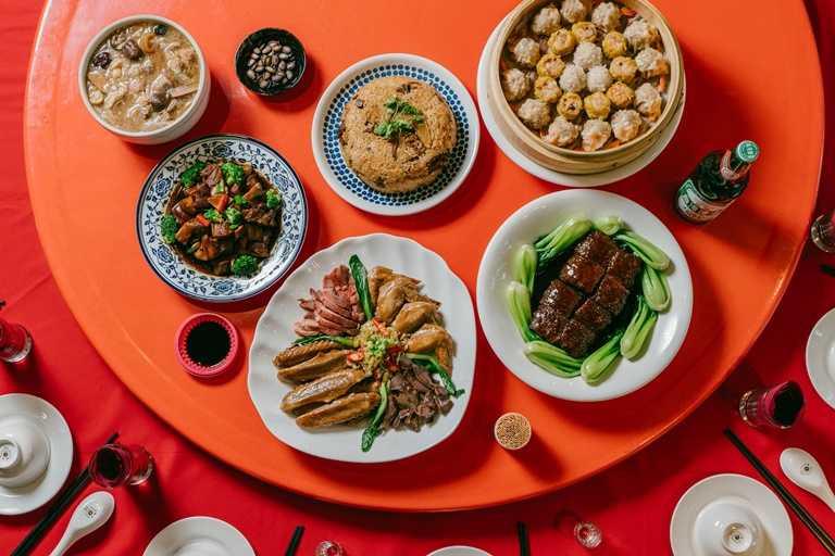 限時獨賣的「五菜一湯辦桌菜餚組合包」,在家也能夠享用流水席。