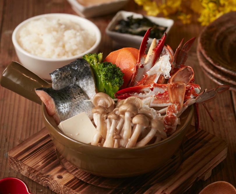 來自北海道石狩地區漁夫們的伙食餐,由鮭魚、蟹及蔬菜加入味噌調味的火鍋料理。