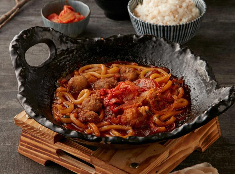 微辣韓式泡菜與牛肉搭配,秋冬品嚐再適合不過。