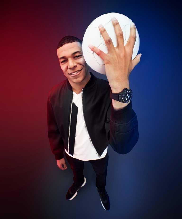 宇舶錶推出「HUBLOT Fusion Podcast」全新節目,邀得足球天才姆巴佩(Kylian Mbappé)擔任首集來賓,暢談足球經與生活哲理。(圖╱HUBLOT提供)