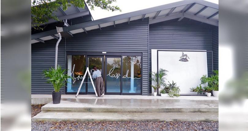 咖啡店也是美拍熱點,空間和小鹿商品都富設計感。(圖/店家提供)