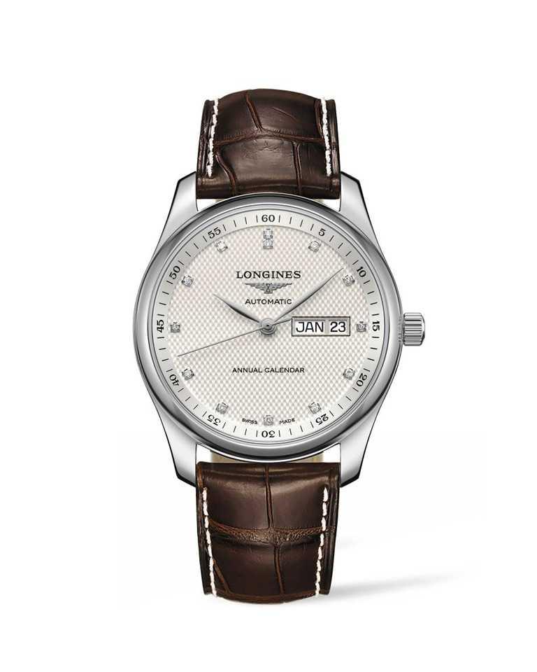 Longines「Master巨擘系列」點鑽時標年曆腕錶,銀色面盤╱85,100元。(圖╱Longines提供)