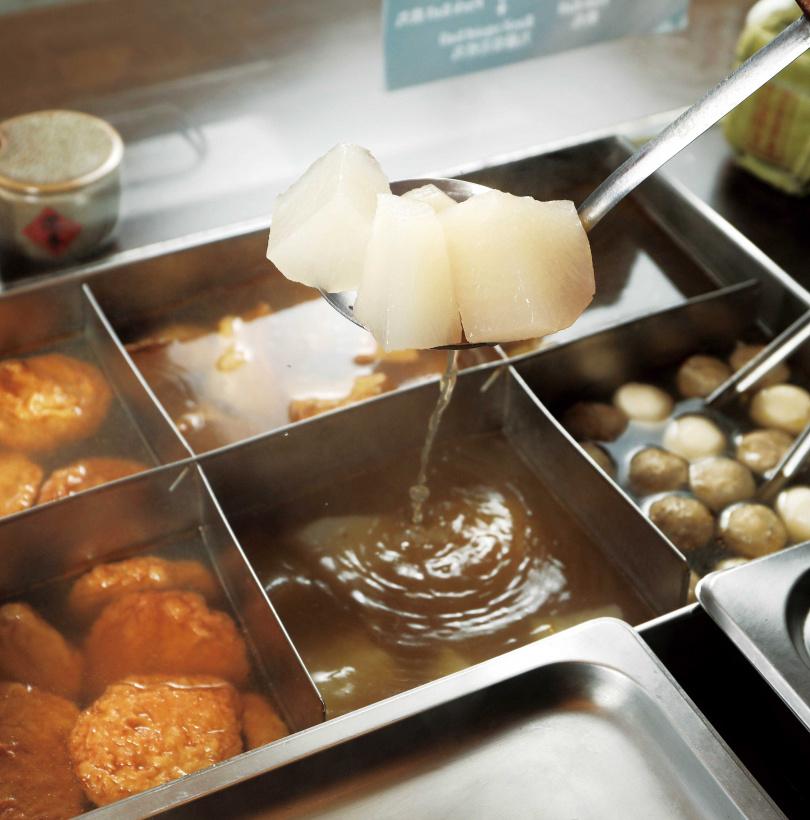 為了保持鮮度與口感,爐台上的食材,堅持快賣完才補。(圖/于魯光攝)