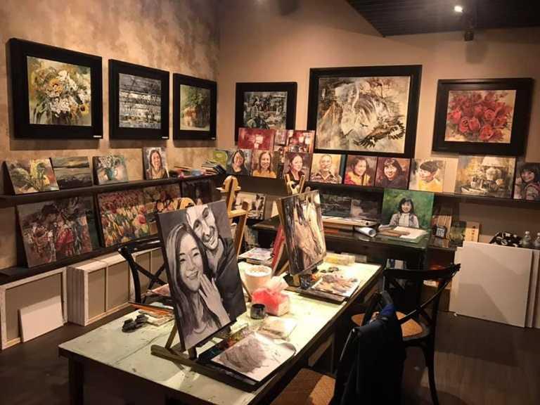 「藝爐晏」本身也是一個藝術工作坊,還有油畫教學。