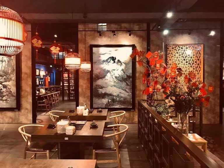 充滿藝廊風格的「藝爐晏」,在此吃鍋整個人都覺得有氣質了起來。