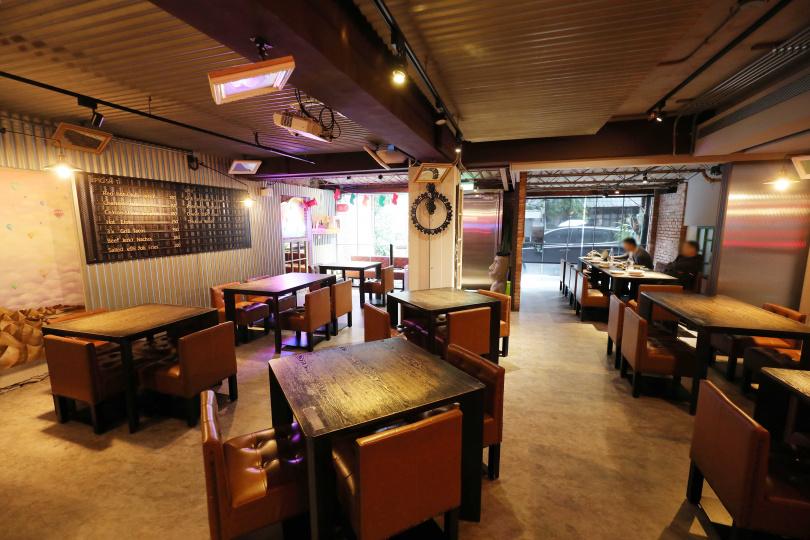 棧直火廚房營造似台版「鬥陣俱樂部」的情調,店內藏有許多惡趣味。