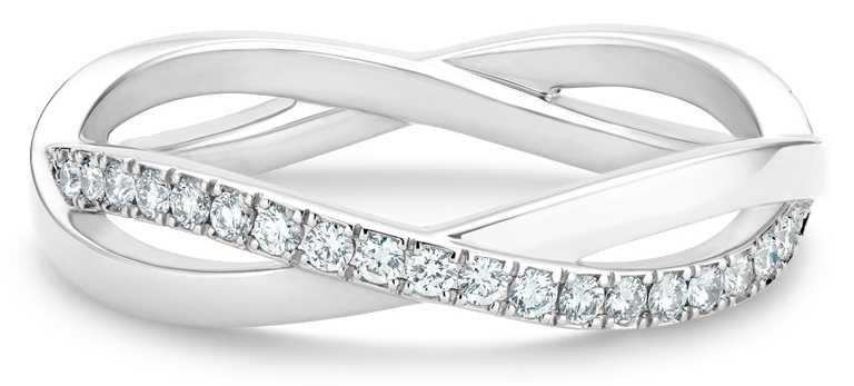 DE BEERS「Infinity」系列,18K白金半鑲鑽戒指╱89,000元。(圖╱DE BEERS提供)