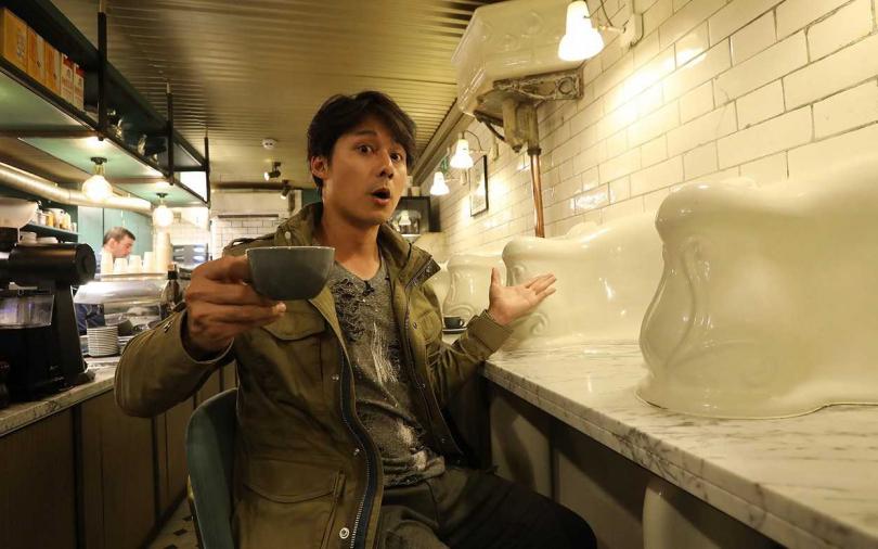 被封亞洲版阿湯哥 廖科溢倫敦前進公廁喝咖啡