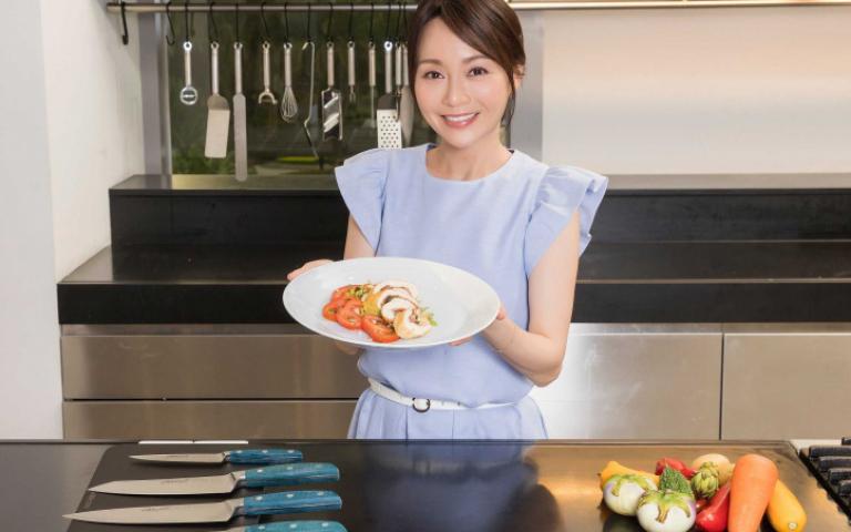 跟著美女主廚Joanna 動手做「醃漬番茄佐帕瑪火腿雞肉卷」