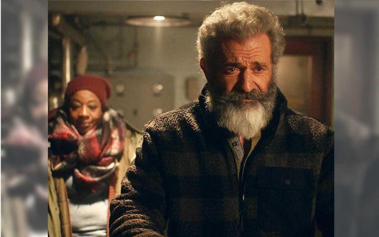 戰勝肺炎強勢回歸 梅爾吉勃遜《追殺胖老爹》扮耶誕老人遭追殺