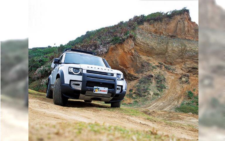 飆上路/Land Rover New Defender P300 HSE 經典越野王者再進化
