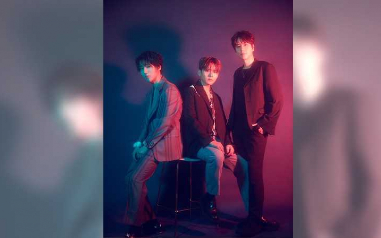 SJ-K.R.Y.成軍14年首發實體專輯  銀赫秀三人嫩照釣出孝淵、周覓回應