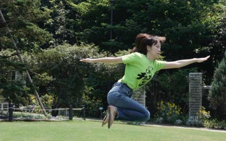 看肢體不協調的人運動很有趣? 人稱「運動神經差」的日本 郡司さん ~