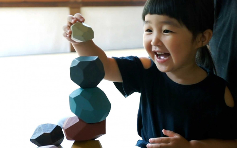 被關在家裡太久了!你或是小孩需要的療癒小物~Tumi-isi 疊石積木 !