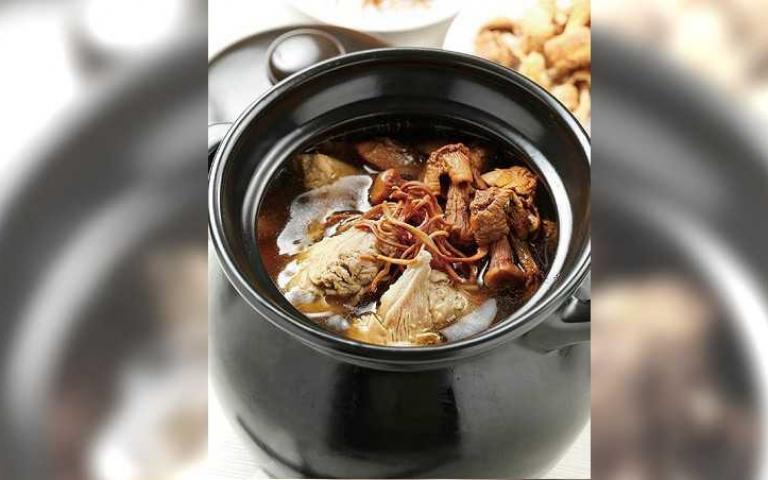 【煲湯養生4】名廚示範 巴西蘑菇燉子排