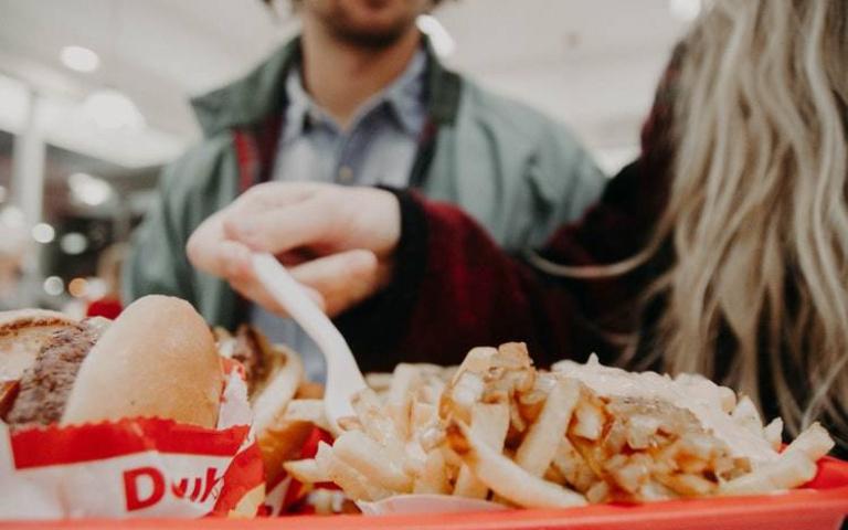 幸福肥是有根據的!研究證實感情穩定會胖近6公斤、婚後4年體重較單身時增加快2倍