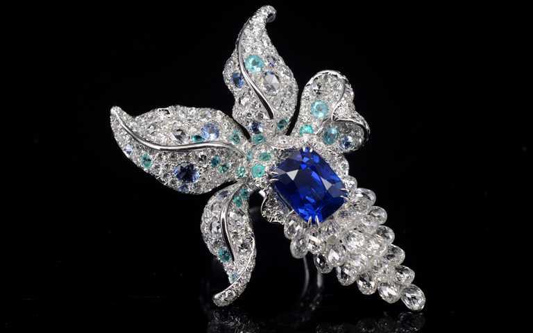 傳奇雙璧璀璨匯聚!英國神秘鑽石女王聯乘台灣珠寶藝術家,Anna Hu助推50億瑰寶首登台