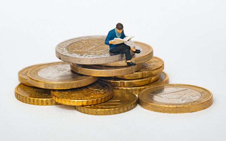 為了錢出賣靈魂也可以?4張圖測出「你對金錢的慾望有多少」!