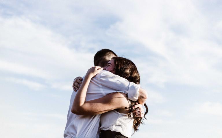 日本爆紅圖片心測!選一對「最幸福夫妻」,立馬測出你的「理想情人」是哪一型!