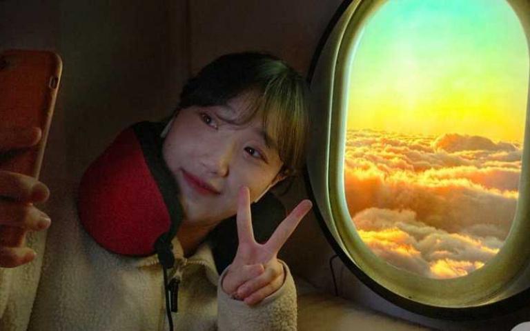 在家就能重溫雲層上的夕陽或日落!韓國「飛機窗LED燈」
