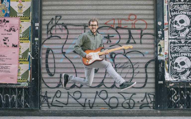 用音樂帶起路人起舞~ 來自西班牙的 Borja Catanesi 以音符治癒人心!