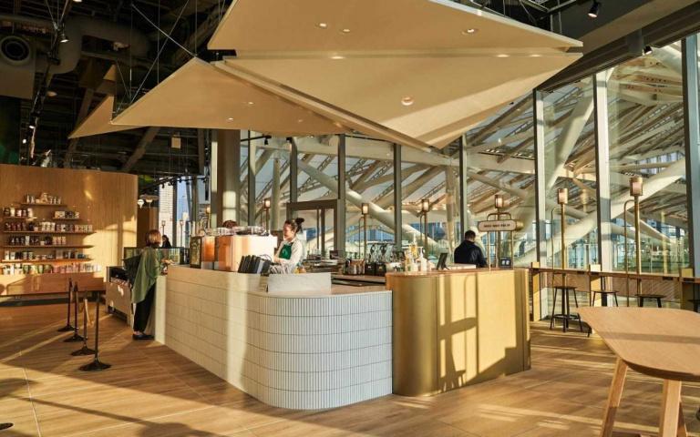 在東京也能有個人專屬辦公室?日本第一間專為上班族設計的Starbucks