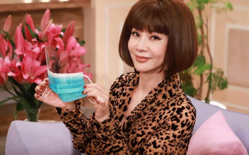 陳美鳳呼籲勤洗手 友贈「特殊口罩」護眼鼻保命