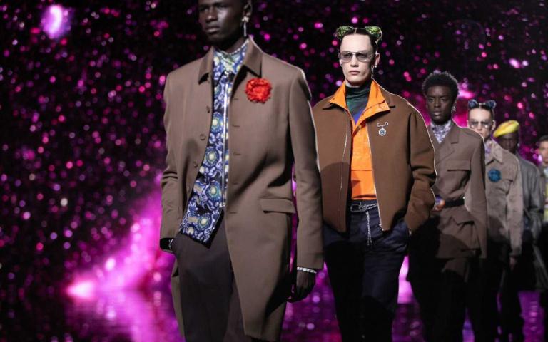DIOR 2021 年秋季男裝系列 現代藝術與當地文化的元素融合