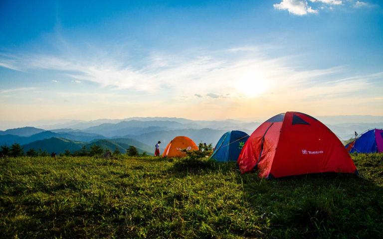 露營品牌 百百種  怎麼選擇最好呢? 3個適合小資族的露營帳篷推薦!