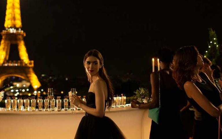 《慾望城市》團隊打造《艾蜜莉在巴黎》 莉莉柯林斯有望變「凱莉」